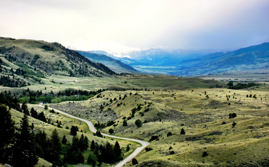 Paradise Valley, Montana  Photo courtesy of U.S. Department of the Interior.  Photo by: Jen Epstein